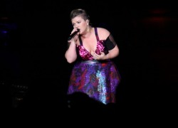 Kelly Clarkson Piece By Piece Concert Review